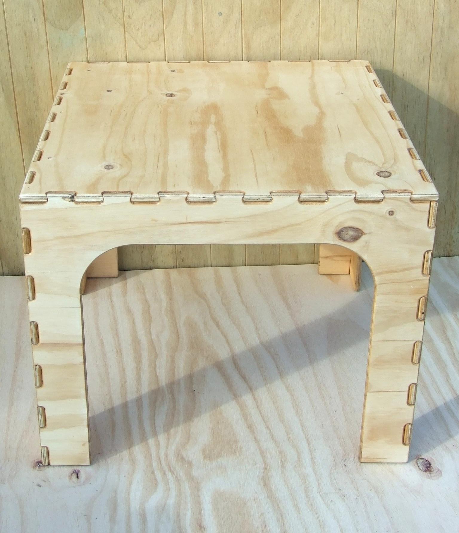 CedarVille Furniture - Table